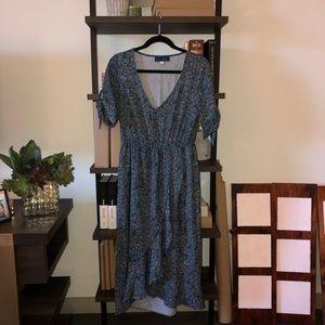 worn once, Francesca's blue floral wrap midi dress